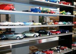 Autocollectie in speelgoedmuseum in Piticchio