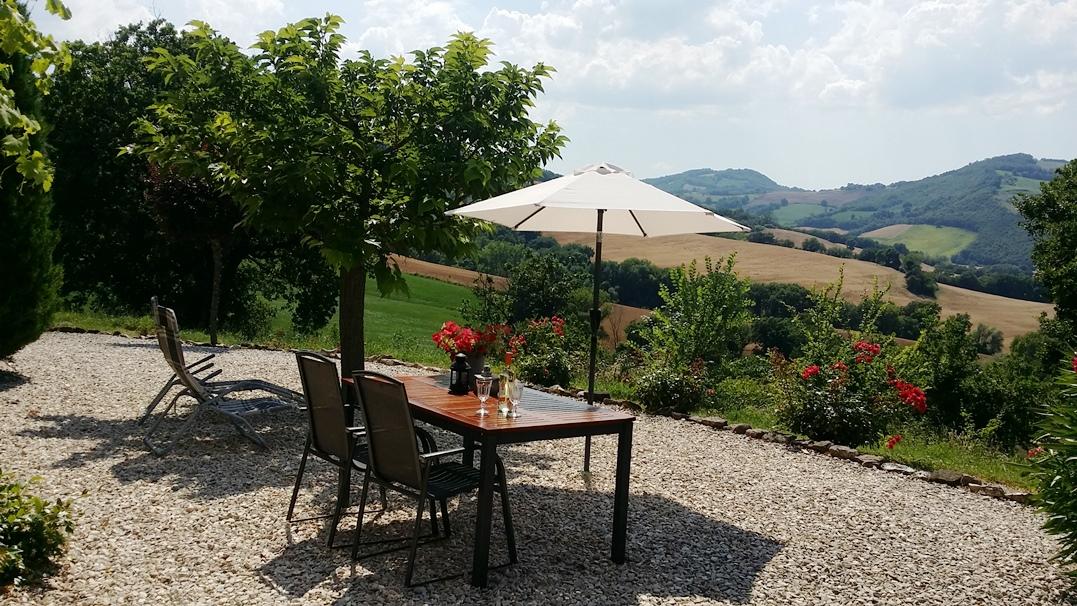 het terras van appartement olive met prachtig uitzicht