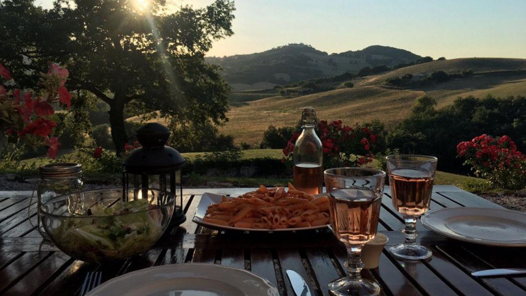Pastamaaltijd met geweldig uitzicht bij Rosa nel Pozzo